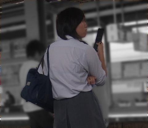 ブラジャー透け透けになってる女子高生wwwww★JK透けブラエロ画像記事タイトル・17枚目の画像