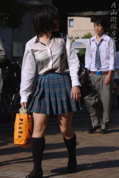 ブラジャー透け透けになってる女子高生wwwww★JK透けブラエロ画像記事タイトル・3枚目の画像