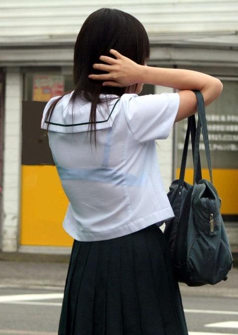 ブラジャー透け透けになってる女子高生wwwww★JK透けブラエロ画像記事タイトル・32枚目の画像