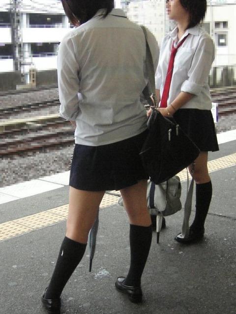 ブラジャー透け透けになってる女子高生wwwww★JK透けブラエロ画像記事タイトル・23枚目の画像