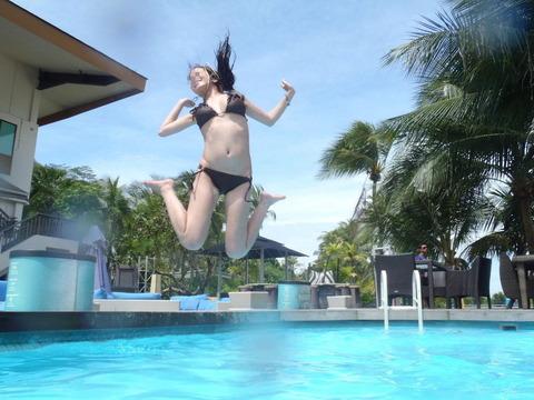 水着姿でテンション上がって悪ふざけしてる素人wwwww★素人水着エロ画像・11枚目の画像