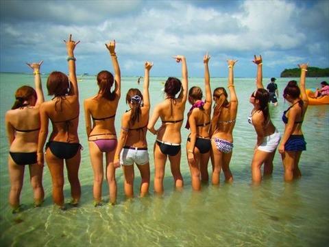 水着姿でテンション上がって悪ふざけしてる素人wwwww★素人水着エロ画像・43枚目の画像