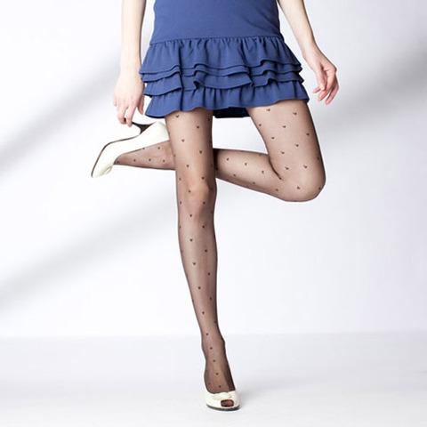 足コキされたら3秒でイキそうな美脚に黒ストを履かせてみた結果wwww★黒ストエロ画像・26枚目の画像
