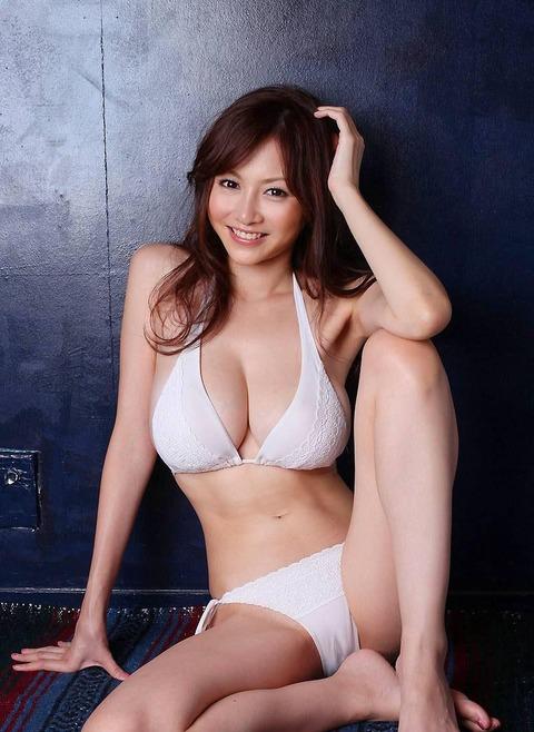 【新春】杉原はおっぱいだけじゃない!彼女のかわいい表情にちゅーもーく!ww・15枚目の画像