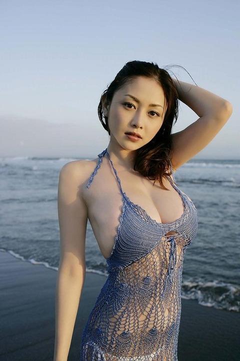 【新春】杉原はおっぱいだけじゃない!彼女のかわいい表情にちゅーもーく!ww・28枚目の画像