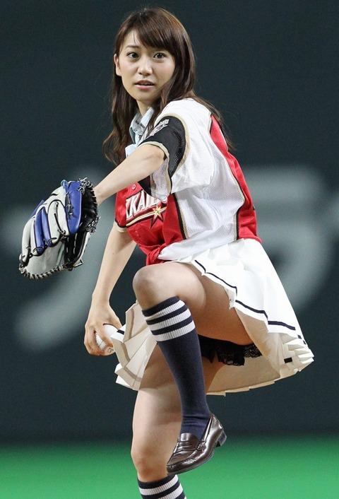始球式のエロさが異常wwwwww★芸能人始球式エロ画像!・1枚目の画像
