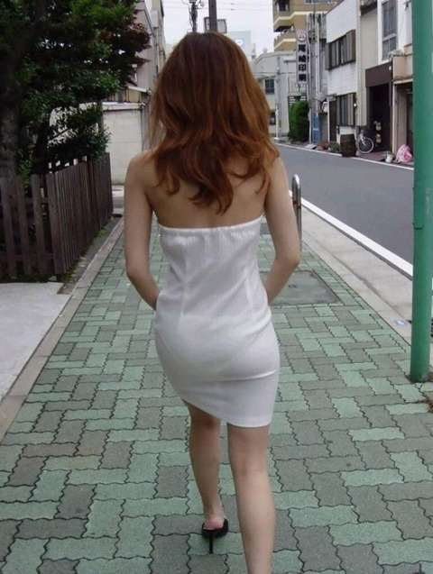 パンツが柄まで透けちゃってますがwwwwww★素人街撮りエロ画像・23枚目の画像