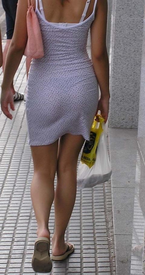 パンツが柄まで透けちゃってますがwwwwww★素人街撮りエロ画像・11枚目の画像