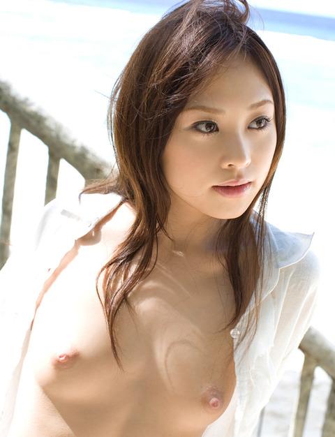 ノーブラでYシャツを着るノーガードなお姉さんwwwwww★裸Yシャツエロ画像・26枚目の画像