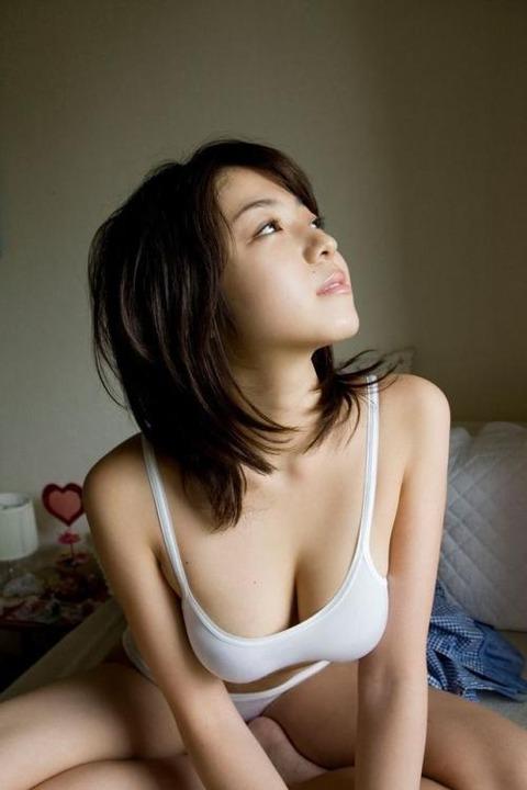 純白パンツ履いて処女のふりをするエロいお姉さんwwwwww★白下着エロ画像・14枚目の画像