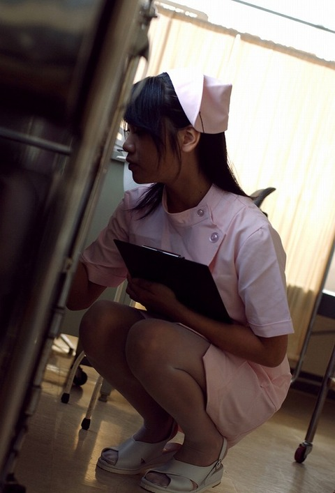 ナースコスプレ鉄板にエロいぞwww ナースにコスプレした女の子が仕切りに喘いでるハメ撮りエロ画像・34枚目の画像