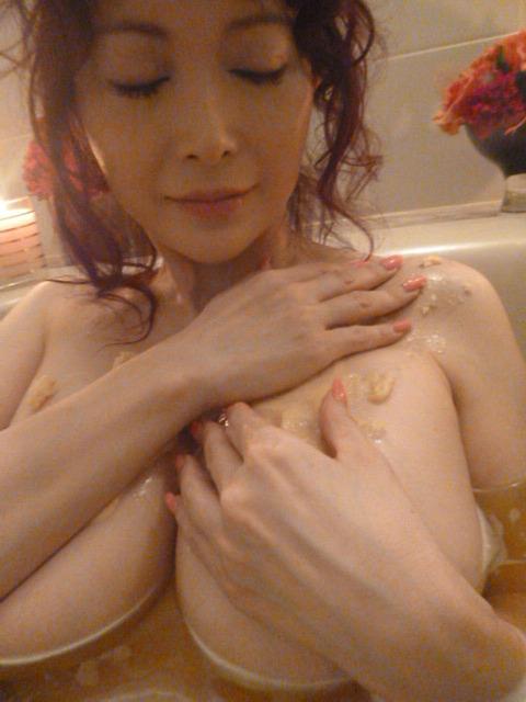 叶美香さんのプライベートヌードから公開ヘアヌードまでまとめてみたwwwwwww★叶美香エロ画像・2枚目の画像
