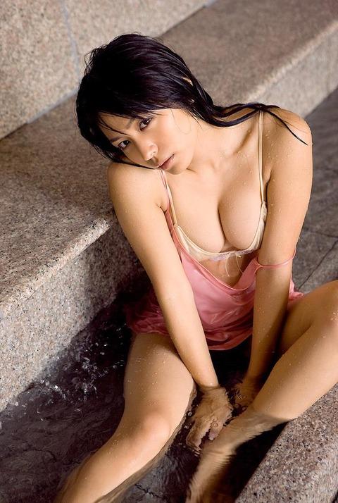 フジの昼ドラで痛い演技を見せる川村ゆきえのエロい身体がこれwwwwwww★川村ゆきえエロ画像・10枚目の画像
