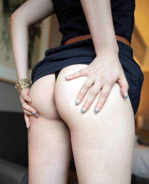 美尻&Tバックエロ画像!!突き出る尻、恥部を守るTバック、そんなエロ画像に魅了されたし・9枚目の画像
