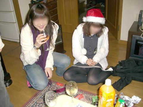 大人が大酒を食らうと大体こうなるwwwwww★素人飲み会エロ画像・10枚目の画像