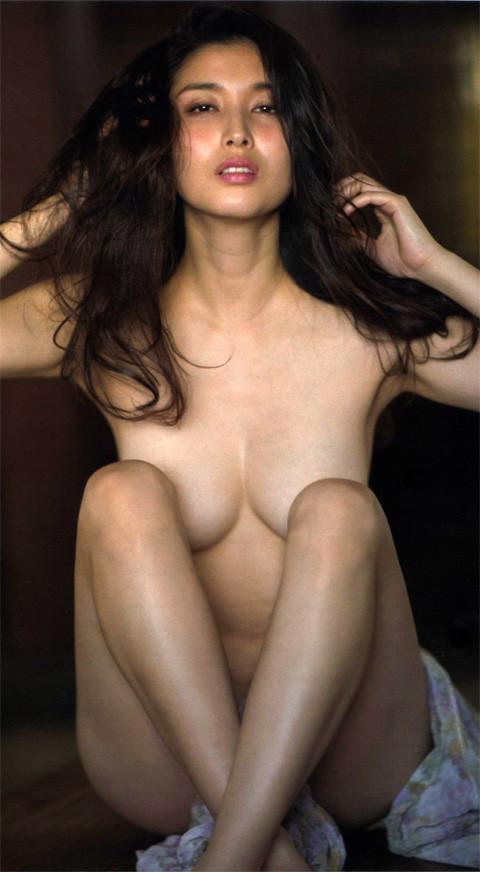 橋本マナミ(33)の全裸ヌード等!抜けるエロ画像147枚・2枚目の画像