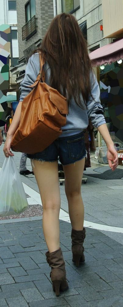 ホットパンツ女の強烈な尻のめり込み良いわぁwwwwwww★素人街撮りエロ画像・25枚目の画像