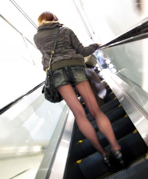 ホットパンツ女の強烈な尻のめり込み良いわぁwwwwwww★素人街撮りエロ画像・39枚目の画像