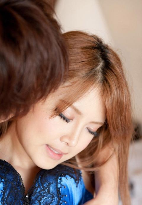 yurino_momo_1809_057s