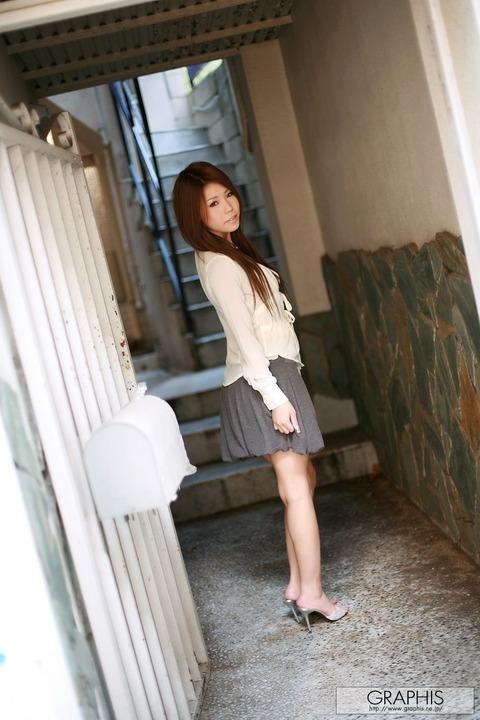 【画像】真田春香(26)美乳が本気エロヤバのサラ髪ヌードをご覧ください★AV女優エロ画像・2枚目の画像
