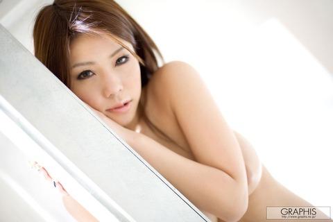 【画像】真田春香(26)美乳が本気エロヤバのサラ髪ヌードをご覧ください★AV女優エロ画像・34枚目の画像