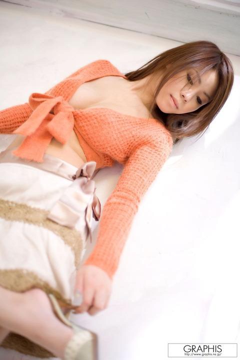 【画像】真田春香(26)美乳が本気エロヤバのサラ髪ヌードをご覧ください★AV女優エロ画像・25枚目の画像