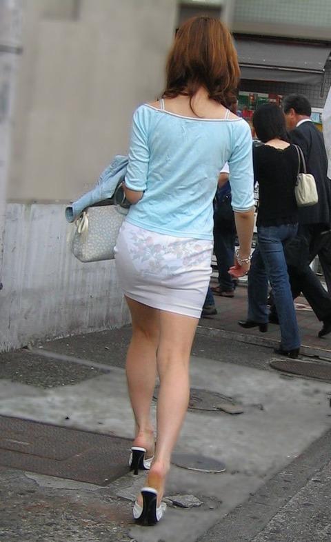教えてあげたらセクハラ扱い不可避な透けパン女子のエロ画像31枚・2枚目の画像