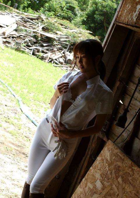 【個人撮影】乗馬が趣味というスレンダー美女の騎乗位SEXが予想以上にエロかったwwwwwwwAV女優・星月まゆらエロ画像★・19枚目の画像