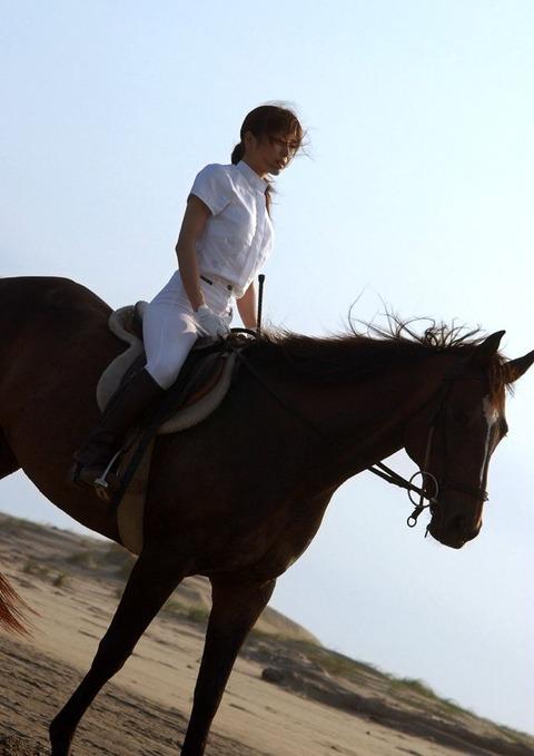 【個人撮影】乗馬が趣味というスレンダー美女の騎乗位SEXが予想以上にエロかったwwwwwwwAV女優・星月まゆらエロ画像★・33枚目の画像
