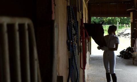 【個人撮影】乗馬が趣味というスレンダー美女の騎乗位SEXが予想以上にエロかったwwwwwwwAV女優・星月まゆらエロ画像★・10枚目の画像