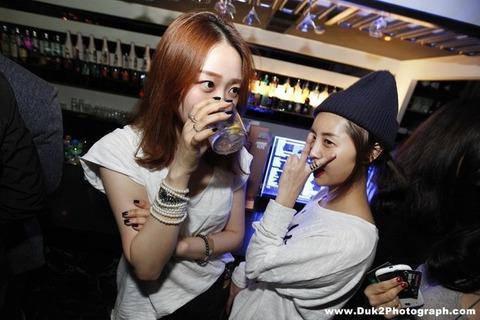 韓国のクラブにいるKARAみたいな韓国美女が抜けるエロ画像37枚・7枚目の画像