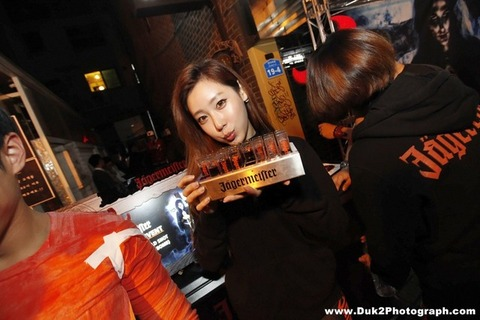 韓国のクラブにいるKARAみたいな韓国美女が抜けるエロ画像37枚・16枚目の画像