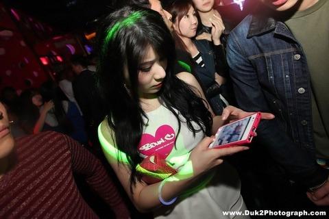 韓国のクラブにいるKARAみたいな韓国美女が抜けるエロ画像37枚・29枚目の画像