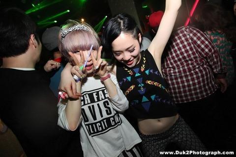 韓国のクラブにいるKARAみたいな韓国美女が抜けるエロ画像37枚・43枚目の画像