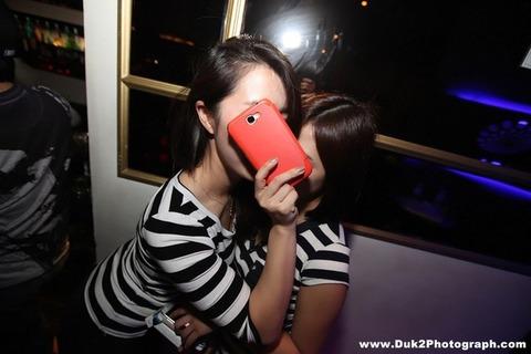 韓国のクラブにいるKARAみたいな韓国美女が抜けるエロ画像37枚・28枚目の画像