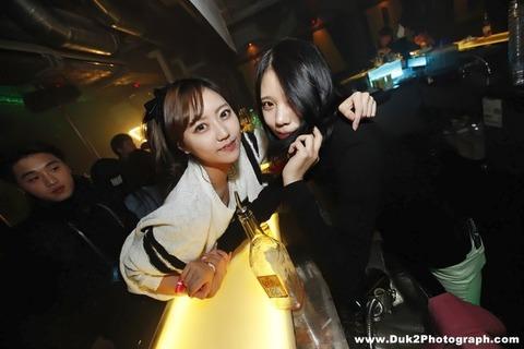 韓国のクラブにいるKARAみたいな韓国美女が抜けるエロ画像37枚・33枚目の画像