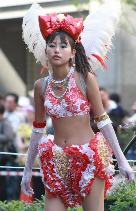 サンバカーニバルを日本で開催←露出狂が殺到wwwwwwww(画像あり)・14枚目の画像