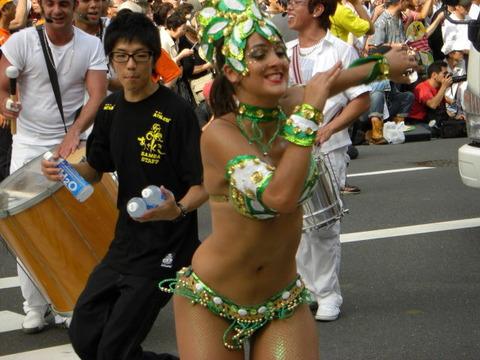 サンバカーニバルを日本で開催←露出狂が殺到wwwwwwww(画像あり)・10枚目の画像