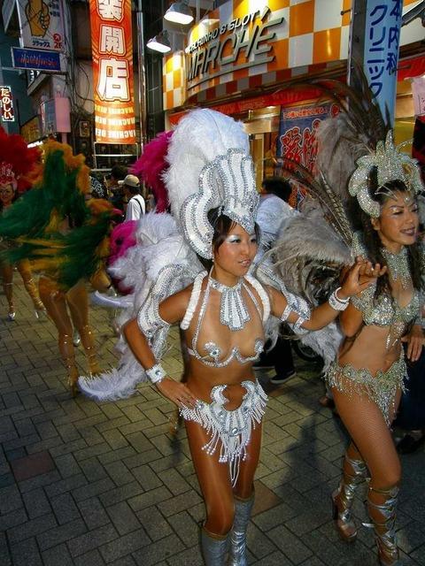 サンバカーニバルを日本で開催←露出狂が殺到wwwwwwww(画像あり)・15枚目の画像