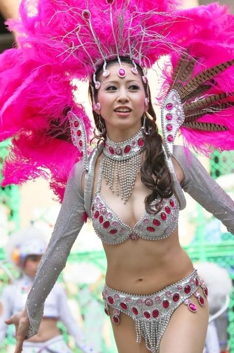 サンバカーニバルを日本で開催←露出狂が殺到wwwwwwww(画像あり)・1枚目の画像