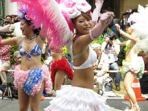 サンバカーニバルを日本で開催←露出狂が殺到wwwwwwww(画像あり)・21枚目の画像