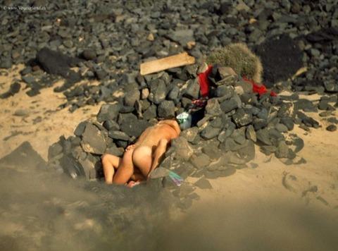 【驚愕】ヌーディストビーチに行った女性の末路wwwwwwww(画像あり)・12枚目の画像
