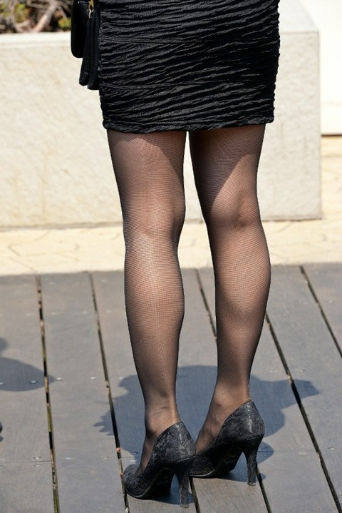 とにかく黒ストッキングが似合う女で抜けるエロ画像30枚・26枚目の画像