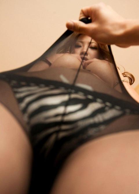 とにかく黒ストッキングが似合う女で抜けるエロ画像30枚・9枚目の画像