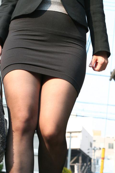 とにかく黒ストッキングが似合う女で抜けるエロ画像30枚・7枚目の画像