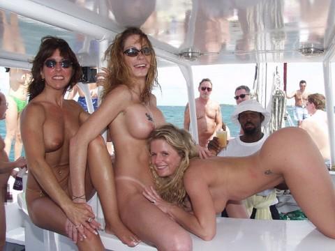 海外セレブの船上パーティーに参加した結果wwwwwwww「エロ過ぎて終始勃起」「レベル高杉」(画像あり)・22枚目の画像