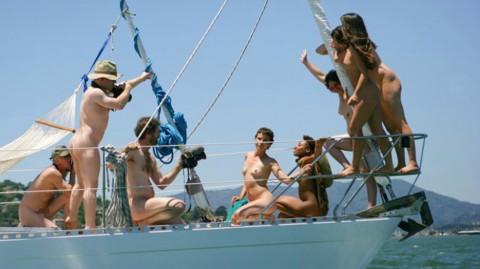 海外セレブの船上パーティーに参加した結果wwwwwwww「エロ過ぎて終始勃起」「レベル高杉」(画像あり)・21枚目の画像