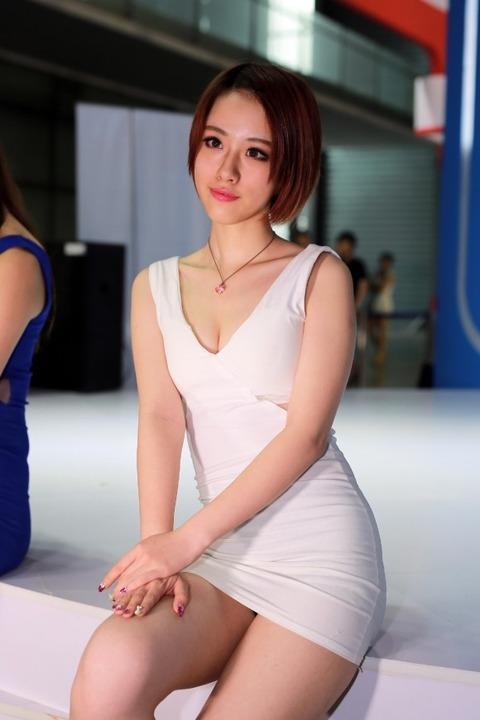 【フルボッキ不可避】台湾美女の巨乳谷間の強調率が異常wwwwwwwwwwww(画像あり)・7枚目の画像