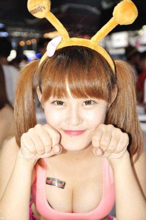 【フルボッキ不可避】台湾美女の巨乳谷間の強調率が異常wwwwwwwwwwww(画像あり)・21枚目の画像