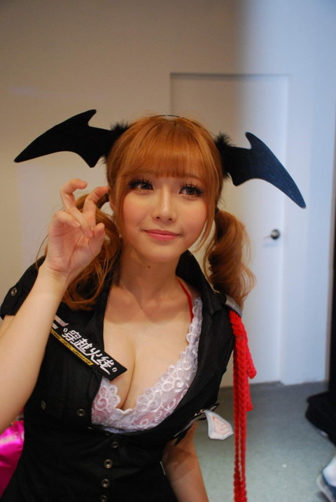 【フルボッキ不可避】台湾美女の巨乳谷間の強調率が異常wwwwwwwwwwww(画像あり)・26枚目の画像